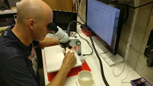 telescopio laboratorio riparazione smartphone
